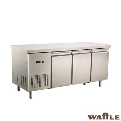 三门冷藏或冷冻工作台