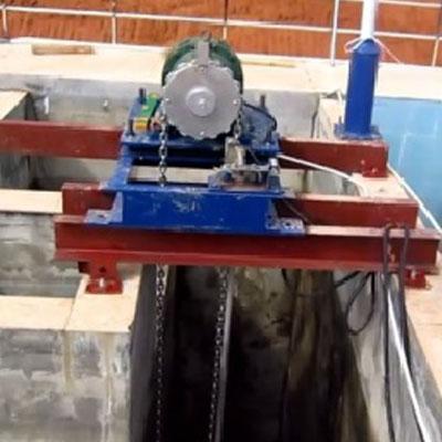 单轨链式刮泥机驱动装置