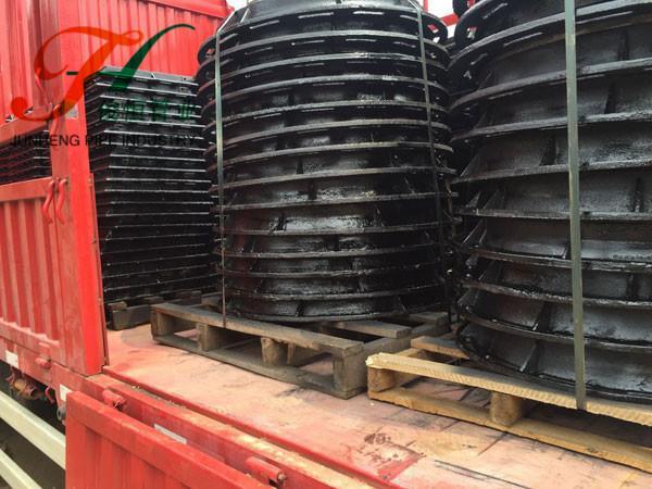 铸铁井盖运输中