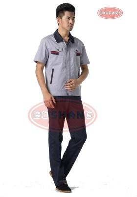浅灰色涤棉细斜纹短袖工作服
