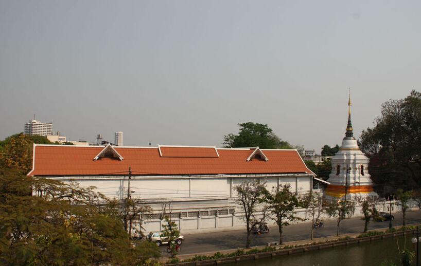 查斯里朋寺