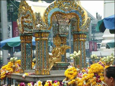 泰国四面佛,据说是世界上最灵验的神佛