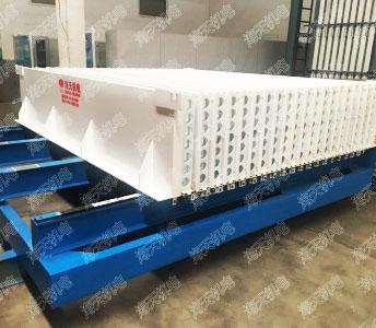 海天机电—轻质墙板生产线发往湖南