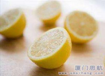 柠檬汁去牙垢法 from 厦门思航新闻中心