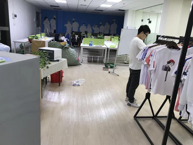 12-26广州超耀电商中心·片材PVC地板铺装案例
