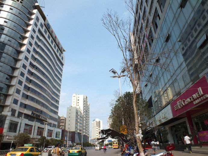 12-11广州国际贸易中心商务办公室·自流地坪施工案例