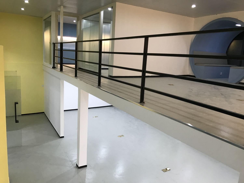 11-4番禺德智创意园第七套办公室 PVC地板胶工程