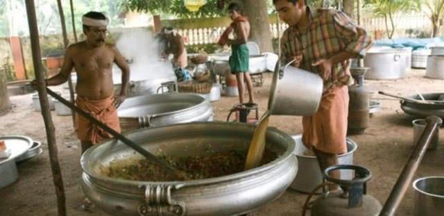 印度人:中国人煮饭只会用电饭煲,美国人回复让印度人心瞬间凉透