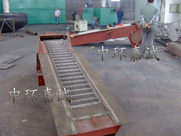 机械格栅生产现场