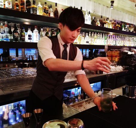 学员曾灵聪——宝莲纳酒吧主管