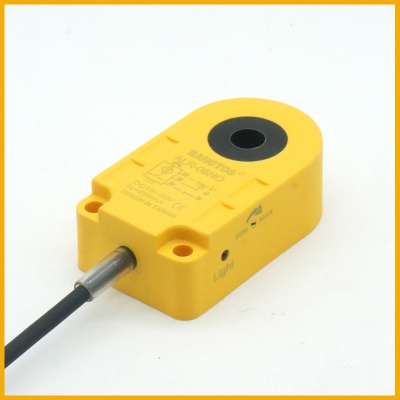 8毫米圆孔环形接近开关传感器