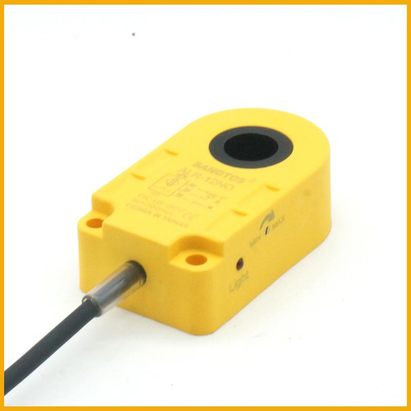 12毫米圆孔环形接近开关传感器