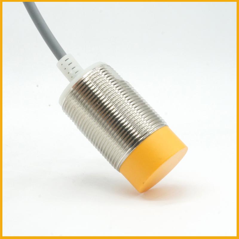 M30检测15毫米电感式接近开关传感器