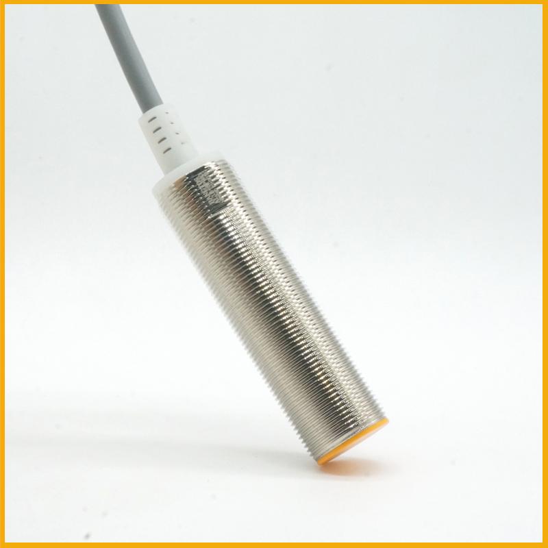 M18长管平头电感式接近开关传感器