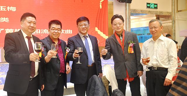 参加2019年广东省安徽蚌埠商会新春团拜会领导合影