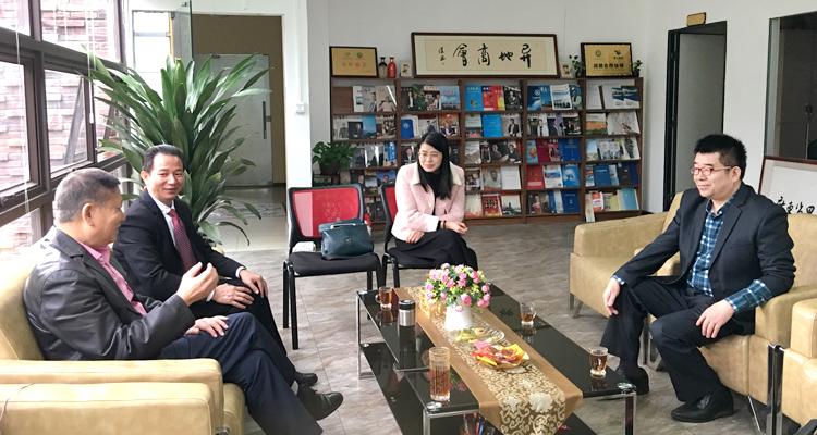 蚌埠商会李振清秘书长与省异地商会联合会达成高度合作意向