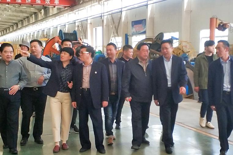 中铁领导莅临河南亿博体育娱乐_亿博体育直播_主页有限公司电缆厂家指导