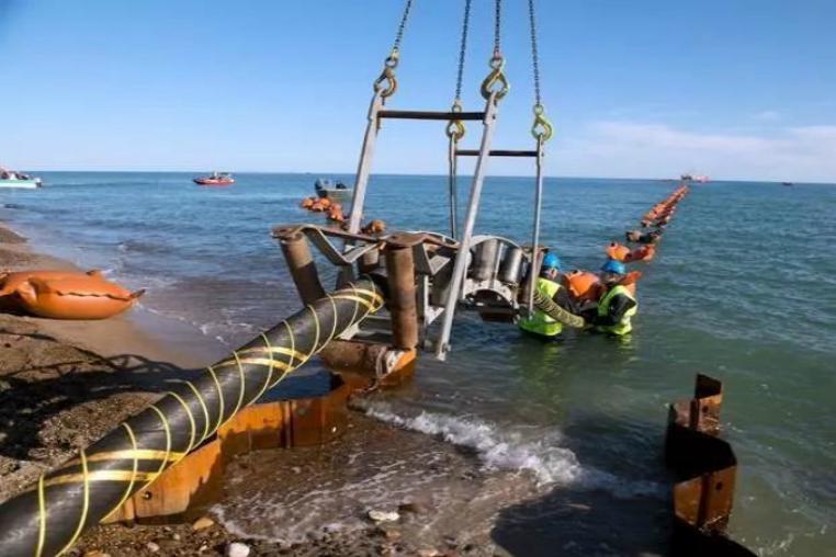 中国海底电缆打破西方垄断,中...