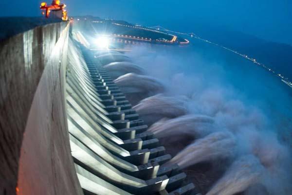 超越三峡大坝的世界第一大水电...