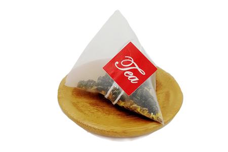 哪种茶更适合秋季饮用?草粤行专家推荐秋天喝桂花乌龙茶