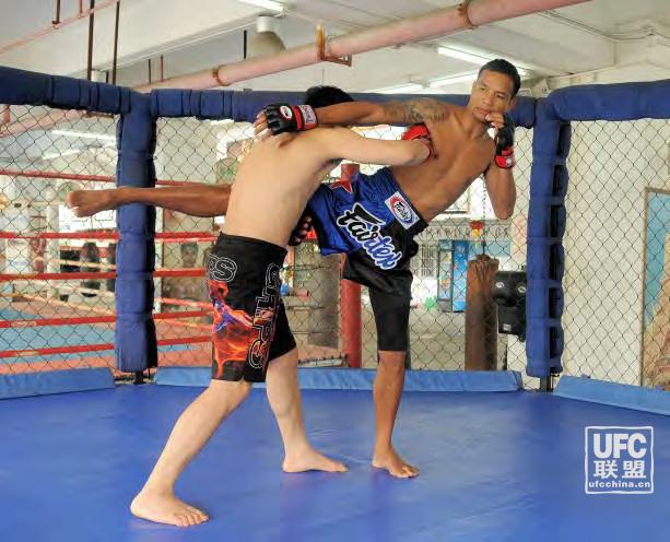 UFC初级基础技术课之接腿摔反击...