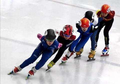 全国青少年U系列滑冰比赛第四站收...
