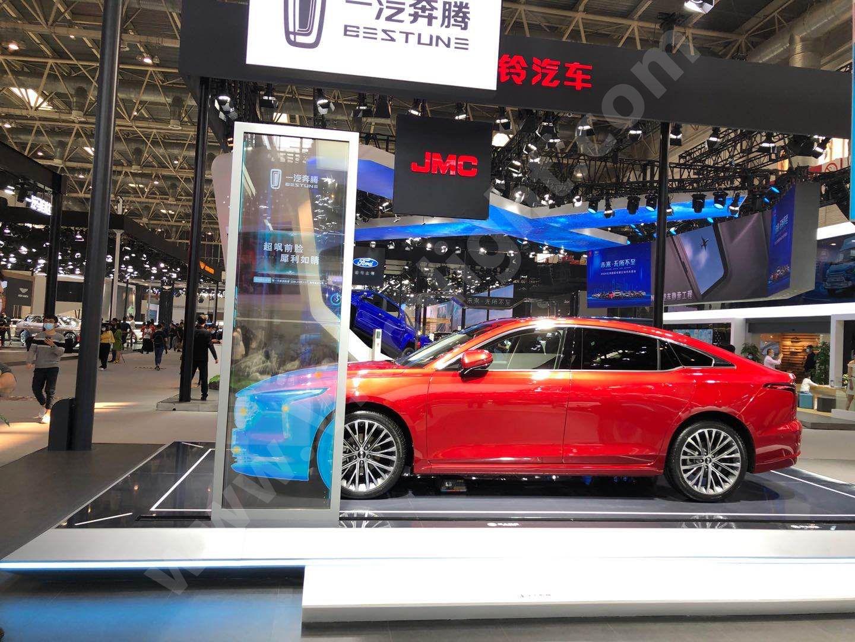 移動滑軌透明OLED-豎拼移動透明OLED1×2北京奔騰車展項目