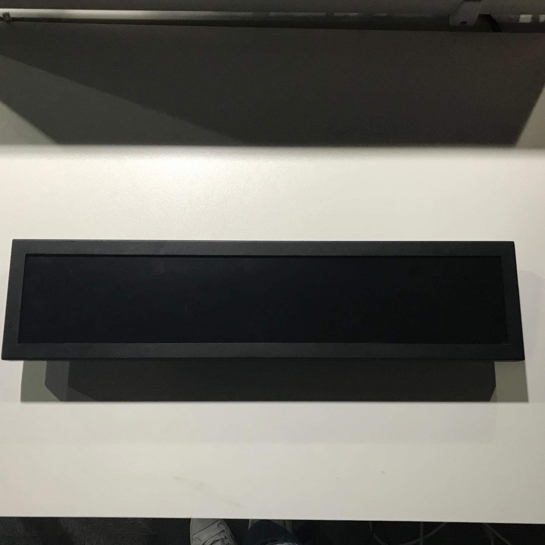 VLT320-SBLD-FHD-130-AND  28寸条形屏广告机(32寸切约1/3)