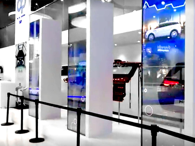 透明 OLED 应用于车展