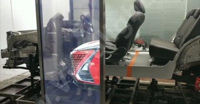 透明OLED移动滑轨屏-某品牌汽车展厅