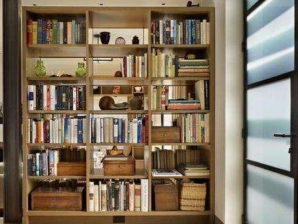 家中藏书太多致甲醛中毒