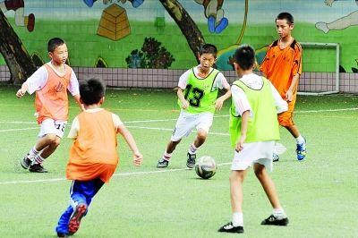 长沙足球小子亮相世界杯