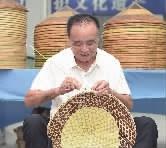 """中方镇:一顶斗笠""""戴""""出亿元产业"""