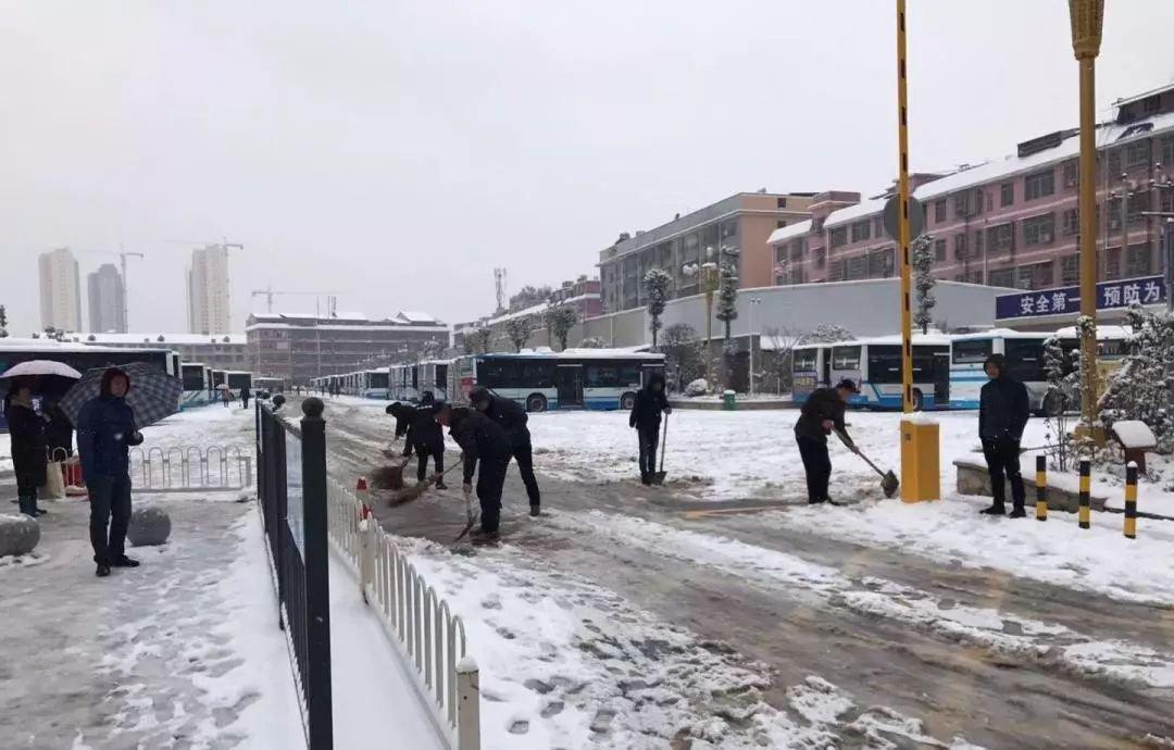 迎战冰雪丨 长沙望城区交通运输部门全力除雪保畅
