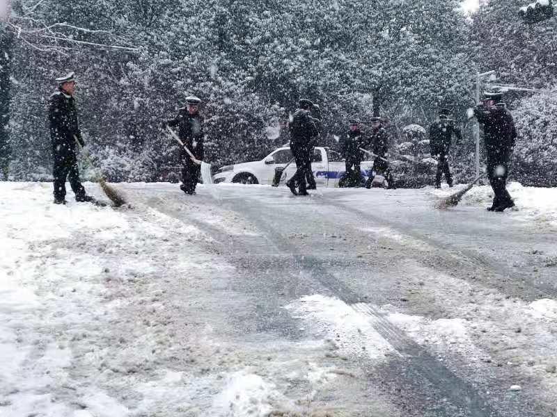 迎战冰雪丨全员停休 雨花区启动三级应急预案
