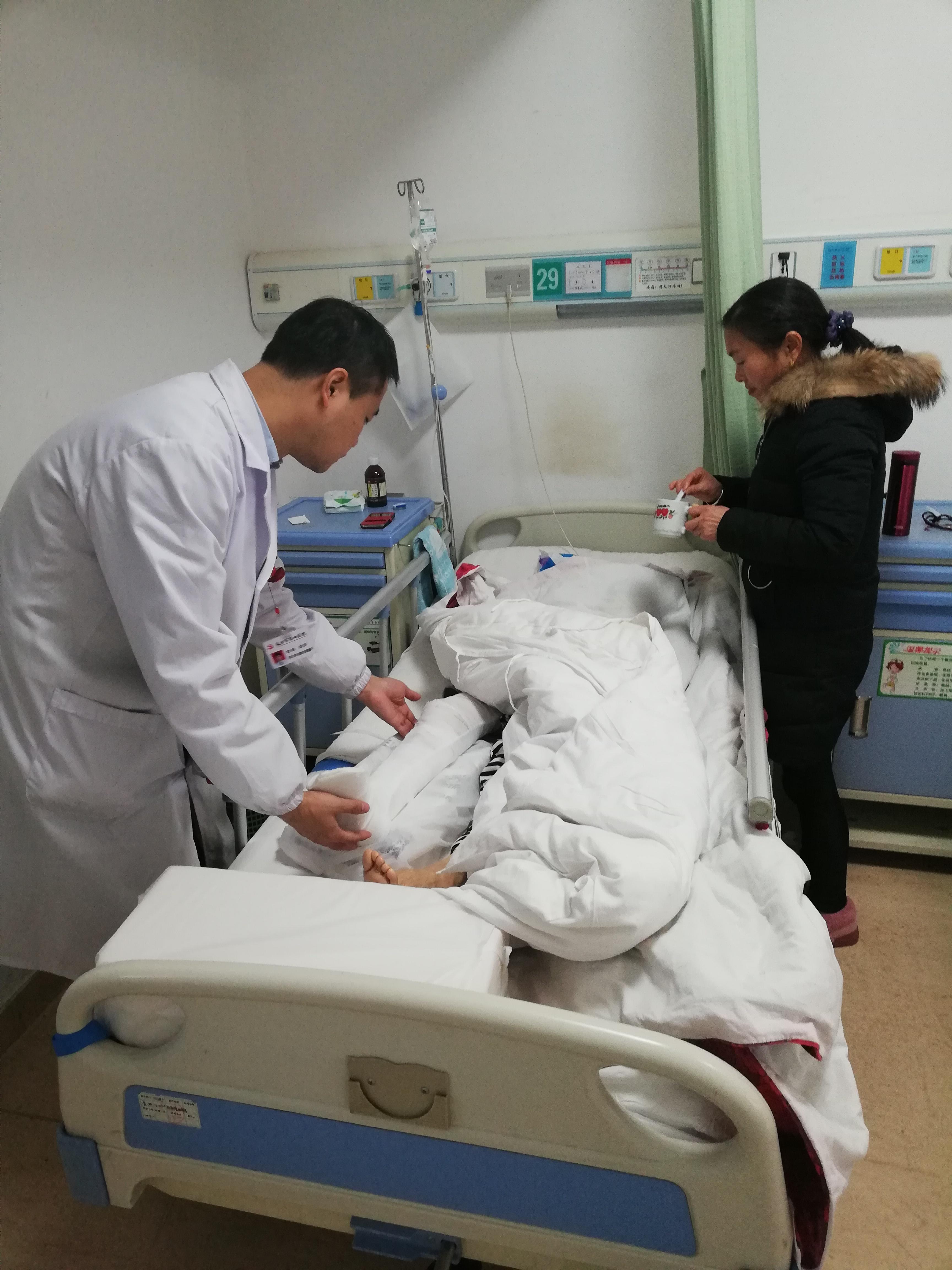 迎战冰雪丨骨科医生90分钟接诊10个骨折患者
