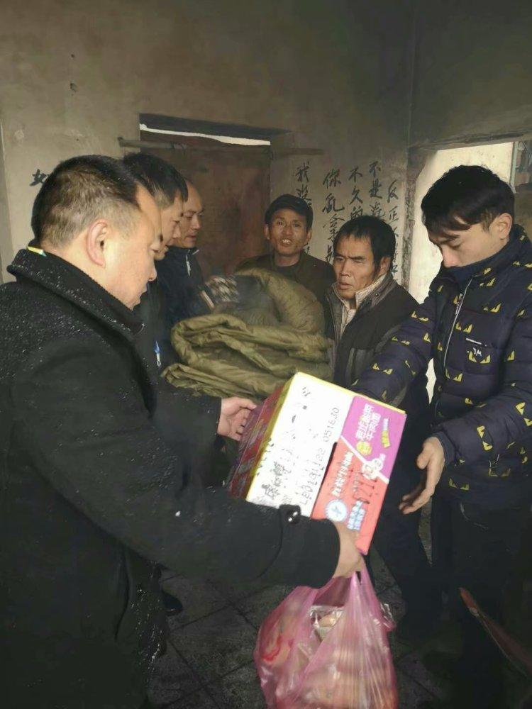 """迎战冰雪丨醴陵市民政局:启动""""雪天救助、温暖行动""""累计救助21人"""
