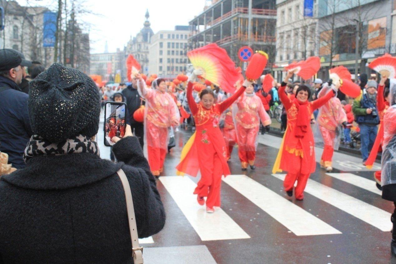 湖南侨胞比利时闹新春,湘茶湘情温暖钻石之都