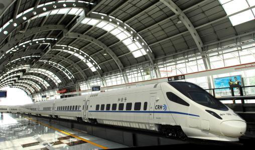 广铁增开列车,应对暑运客流高峰