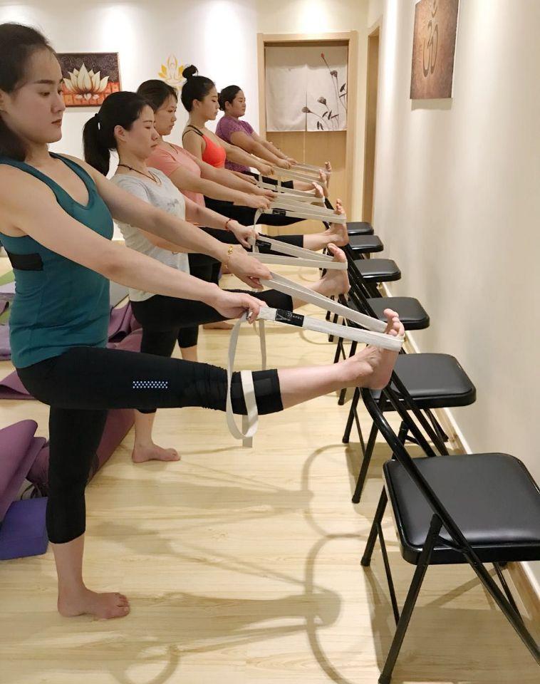 瑜伽椅的使用方法