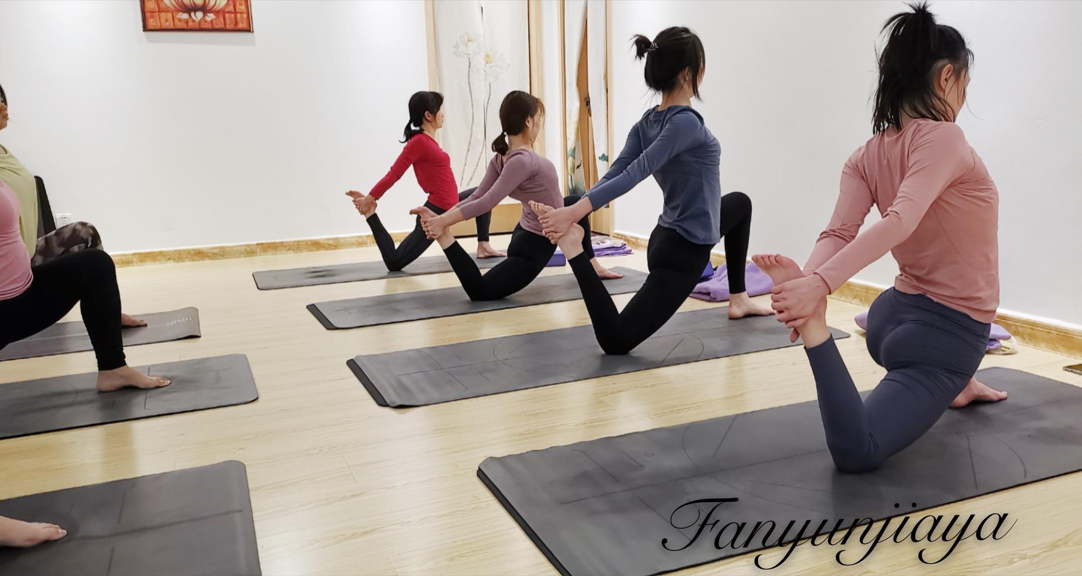 为什么瑜伽小班授课那么受欢迎?