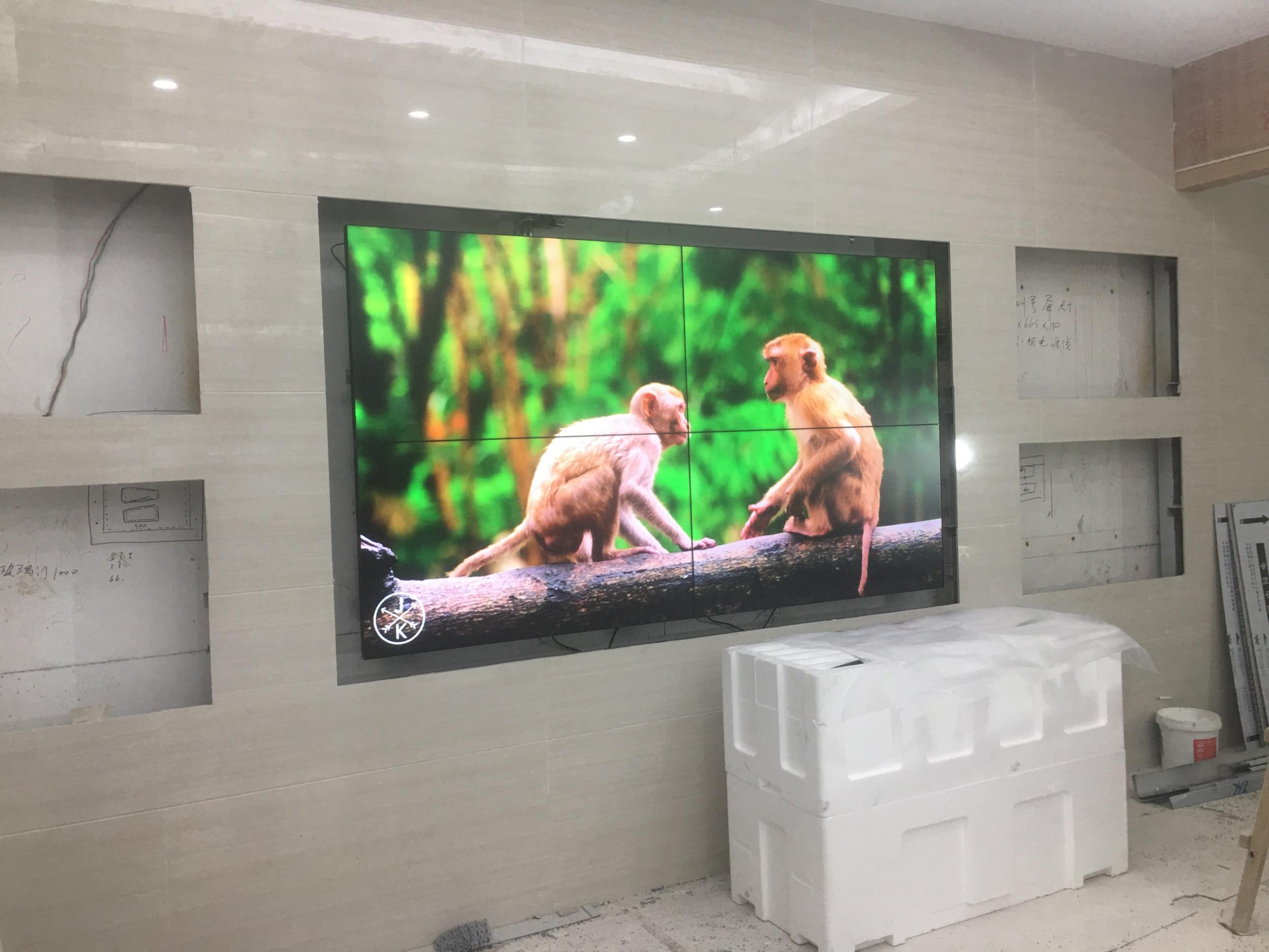 久屏显示55寸液晶拼接屏再次应用于扬州建设银行