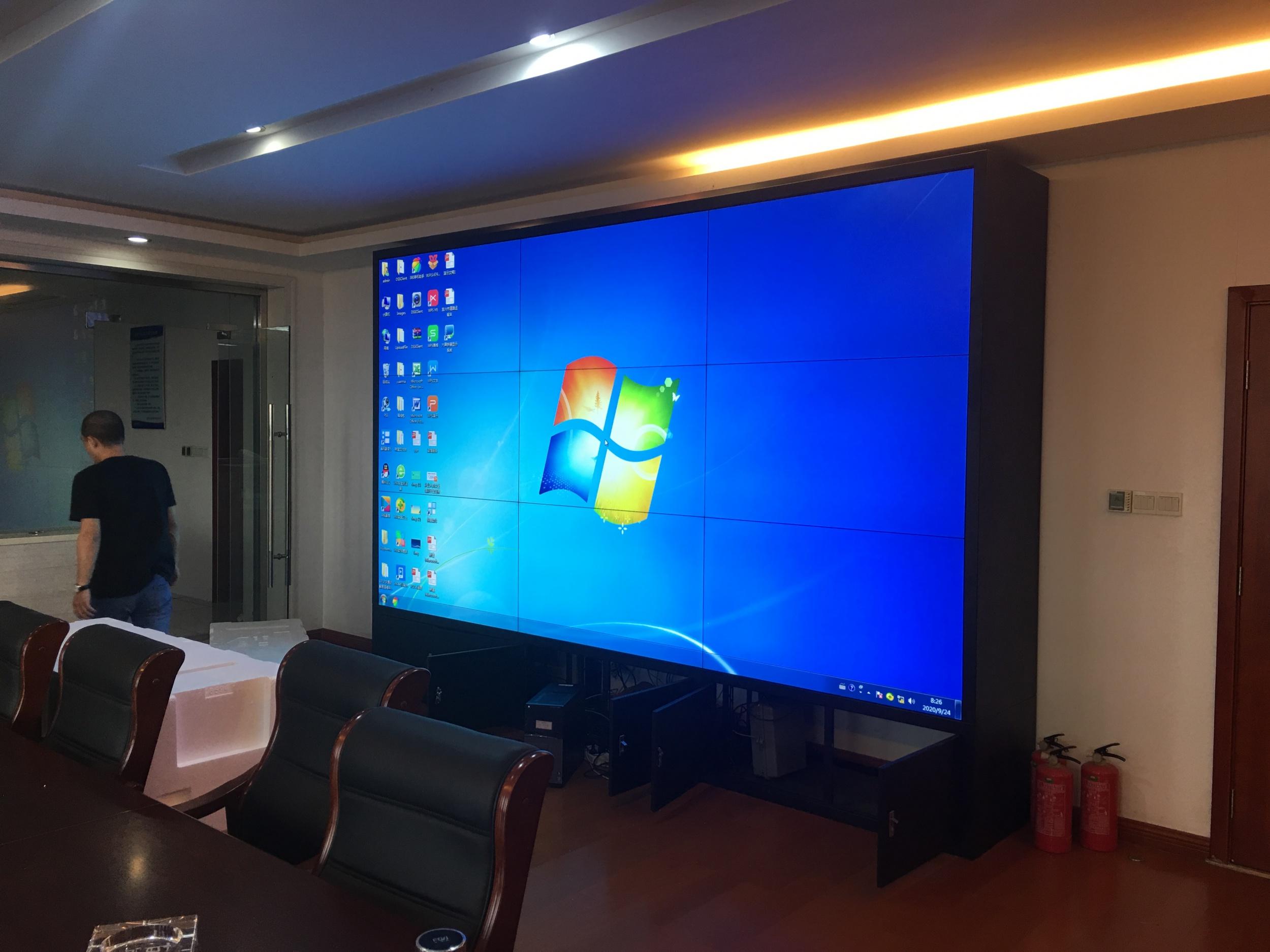 久屏显示55寸0.88毫米必威体育平台屏应用于江苏宜兴道路执法大队
