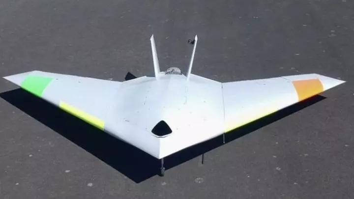 英国研发世界首款无控制面无人机