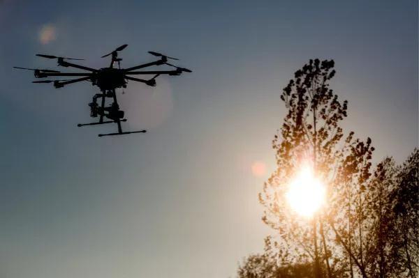 无人机快递业如何快速普及?