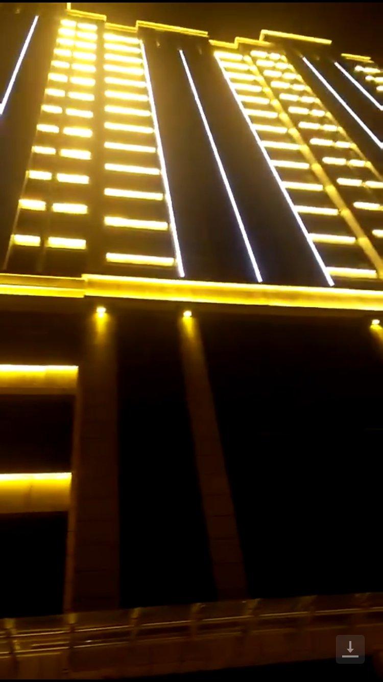 咸寧采用LED洗墻燈外墻亮化安裝...