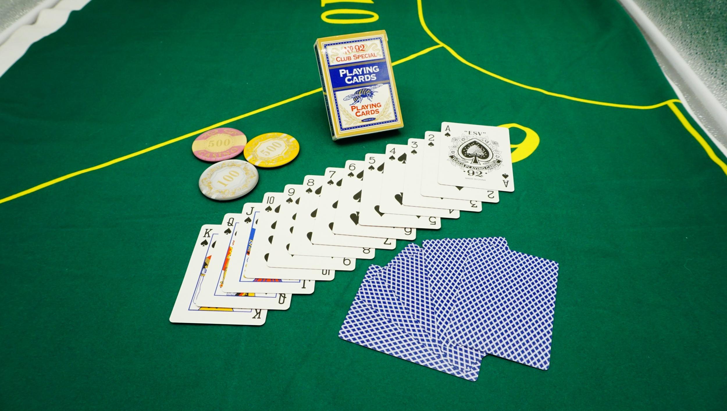 扑克牌厂家制作自己的扑克牌 - 正面定制扑克牌
