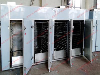 食品行业使用的热风循环烘箱的特点及发展