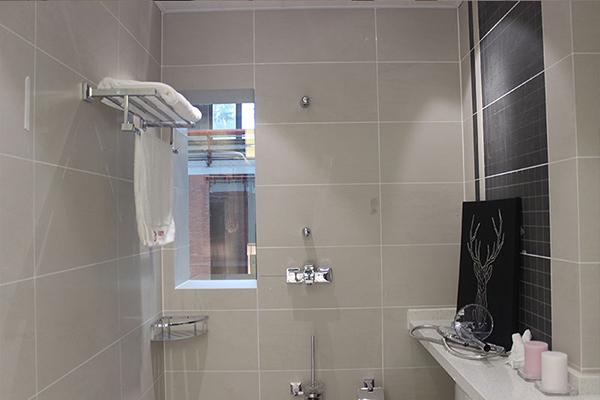 淋浴房选哪种美缝剂