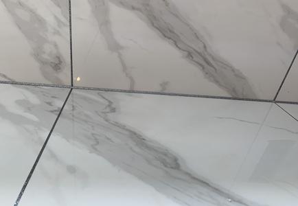 衛生間美縫顏色搭配珍珠白